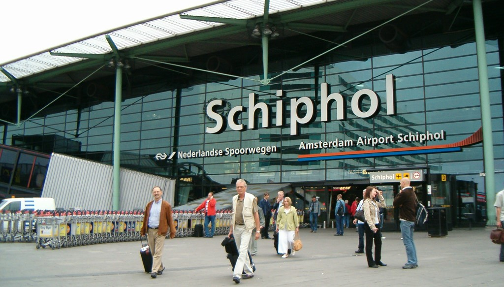 Schiphol airport asset tracking